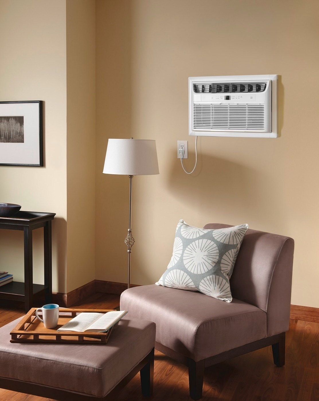 12,000 BTU Built-In Room Air Conditioner- 230V/60Hz White FFTA123WA2