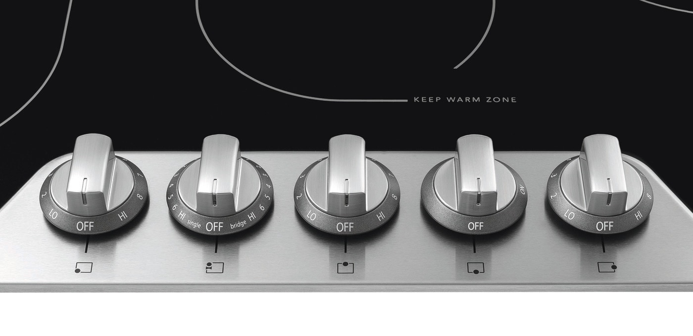 "30"" Electric Cooktop Stainless Steel FPEC3077RF"